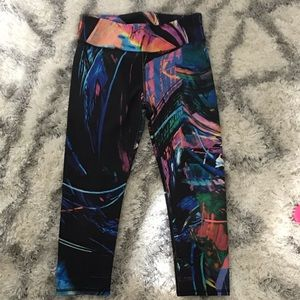 FABLETICS Art splash capris. No tag small